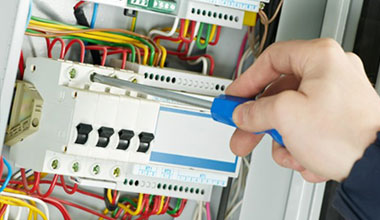 Fully Qualified Electricians
